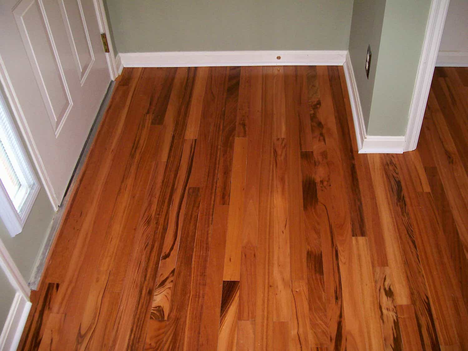 Pergo Red Oak Scratch Resistant Laminate Flooring